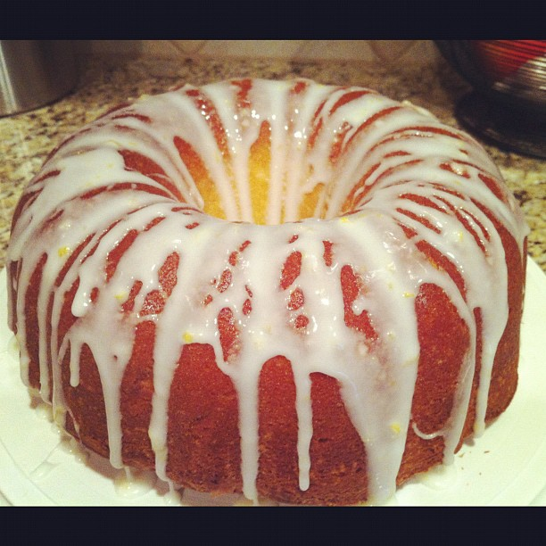 Lemon Pound Cake | The Rays Of Sunshine